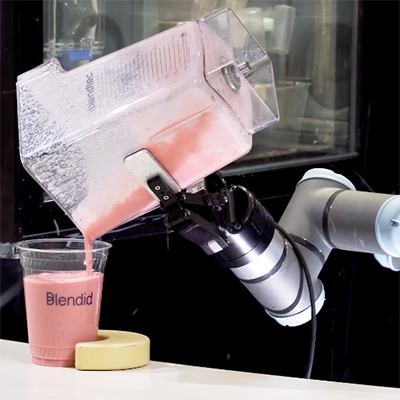 Blendid-smoothie-making-Che-B-robot.png