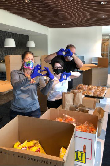 PD_-_Linda_Williams,_Stephanie_Knaus,_Bill_Jones_-_Making_9,000_lunches_for_Pittsburgh_Publis_School_kids.jpg