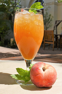 Stanford_Dining_gold_dust_peach_kombucha.jpg
