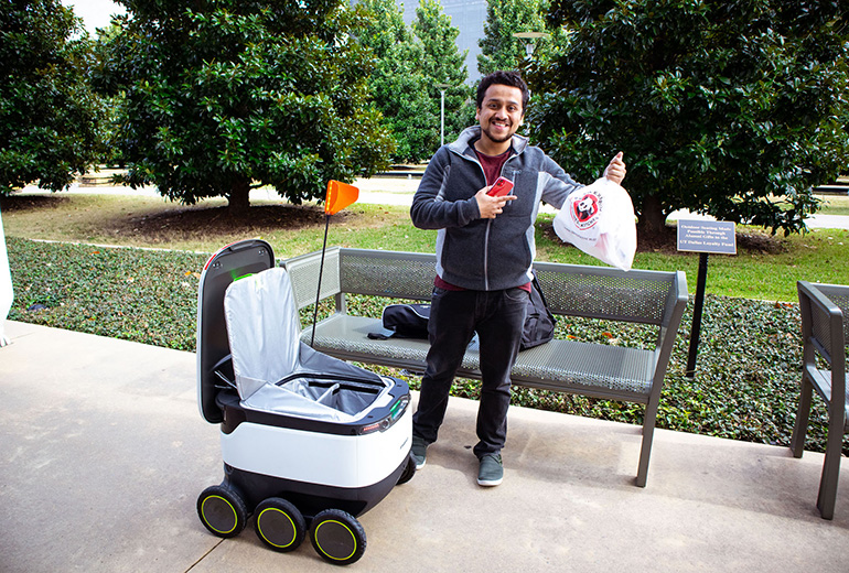 University-Texas-Dallas-robot-and-customer.jpg