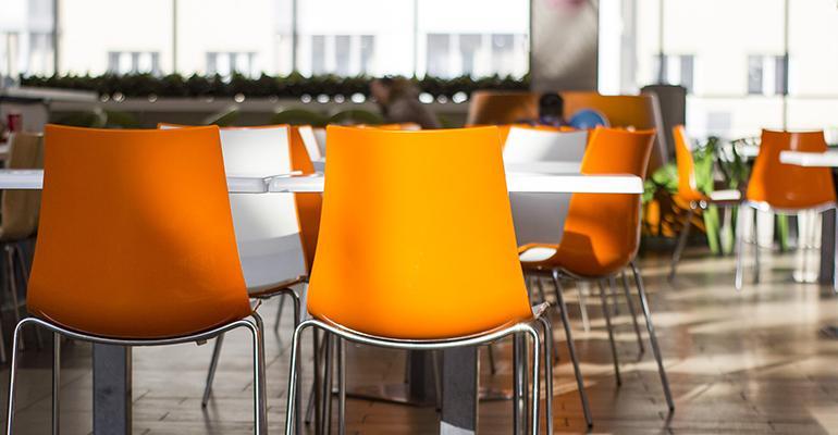 Dining-hall-workers-coronavirus-hazard-pay.jpg