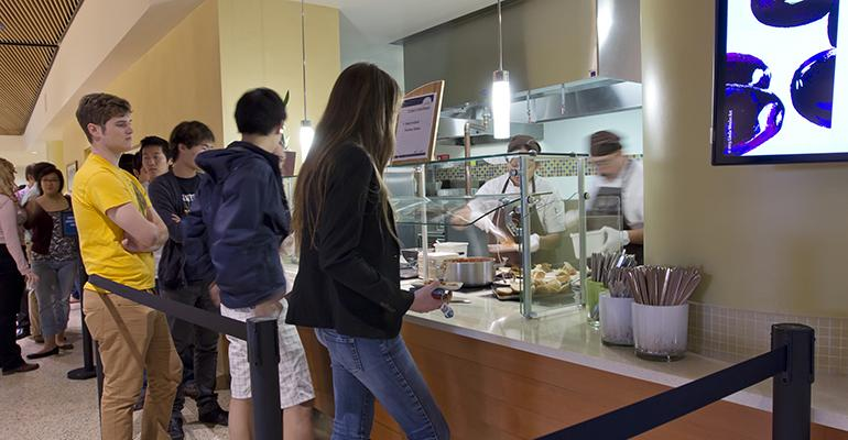 The new CrowdZen app allows students to gauge how crowded campus dining facilities like Bruin Plate are at any given time.