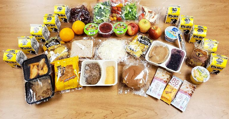 Minneapolis_schools_group_of_meals_for_boxes.jpg
