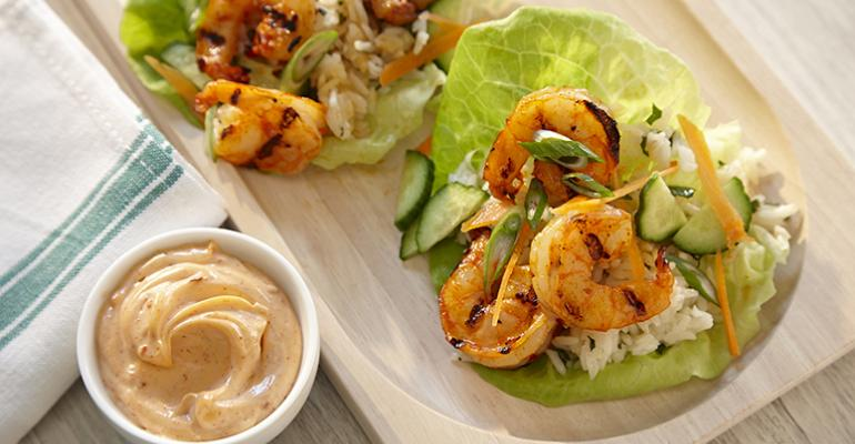 Sriracha-lime shrimp lettuce wraps