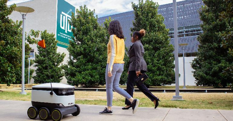 University-Texas-Dallas-robot-making-delivery_copy.jpg