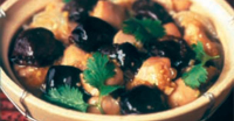 Claypot Chicken with Ginger and Dried Plums