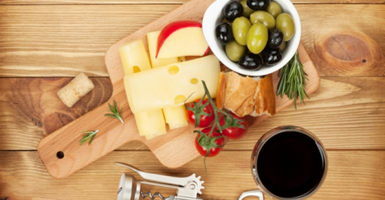 Opinion: Is the Snacking Trend Hurting Foodservice Sales?