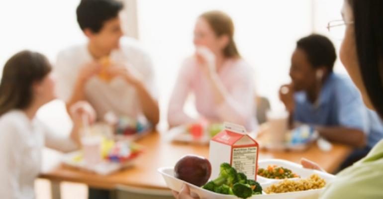 Study: Only about 15 percent of Texas school districts outsource foodservices