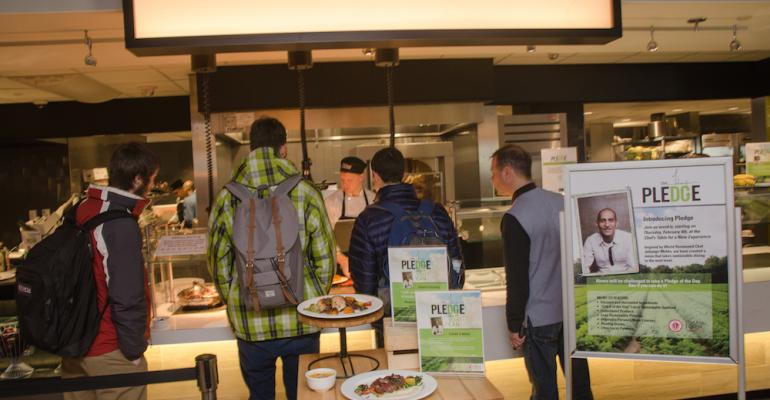 Students who dine at the Chef39s Table station in UMass39 Blue Wall food court are asked to make a pledge to make one change in their behavior