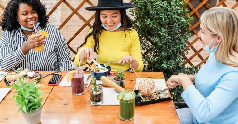 women-eating-at-healthy-food-restaurant.jpg