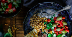 a fresh, healthy Mediterranean meal with chickpeas