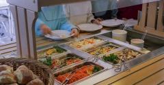 School-lunch-with-salad-buffet.jpg