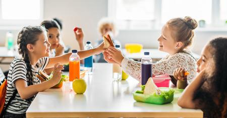 cafeteria_kids.jpg