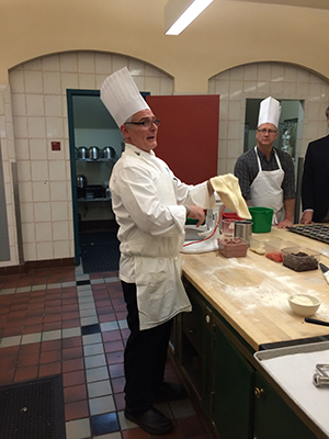 CIA Chef-Instructor Steven Isaac instructs a group at the Dry Pea & Lentil Council's Year of the Pulse event.