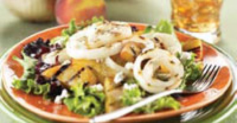 Grilled Vidalia Onion and Peach Salad