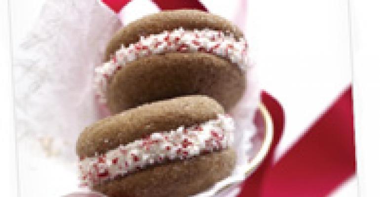 Gingerbread Whoopie Pies with Lemon Crme