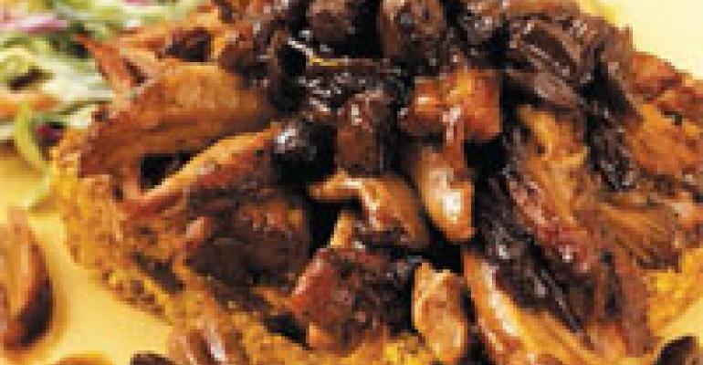Pulled Pork with Raisin Corn Bread