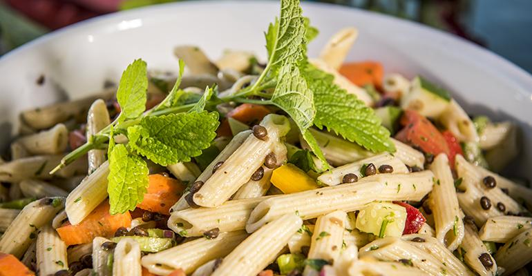 Pasta salad with lentils and vegetables