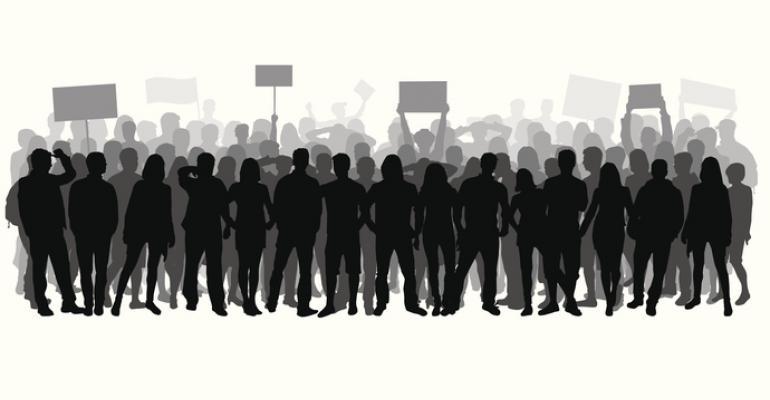 5 things: Strike continues at Harvard; dining asks for volunteer help