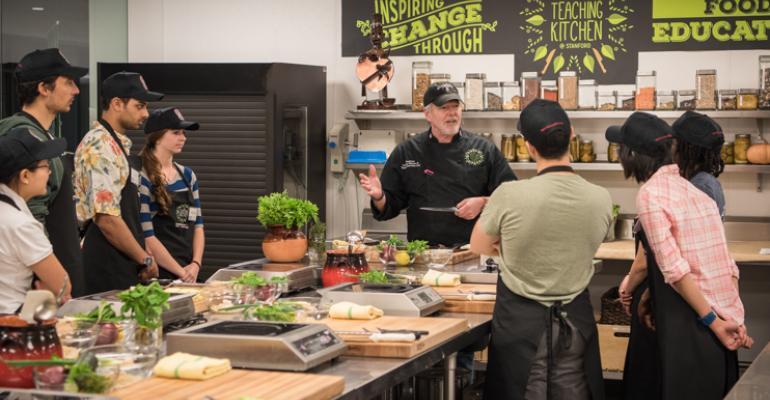 A class at Stanford39s Jamie Oliver Cook Smart Program