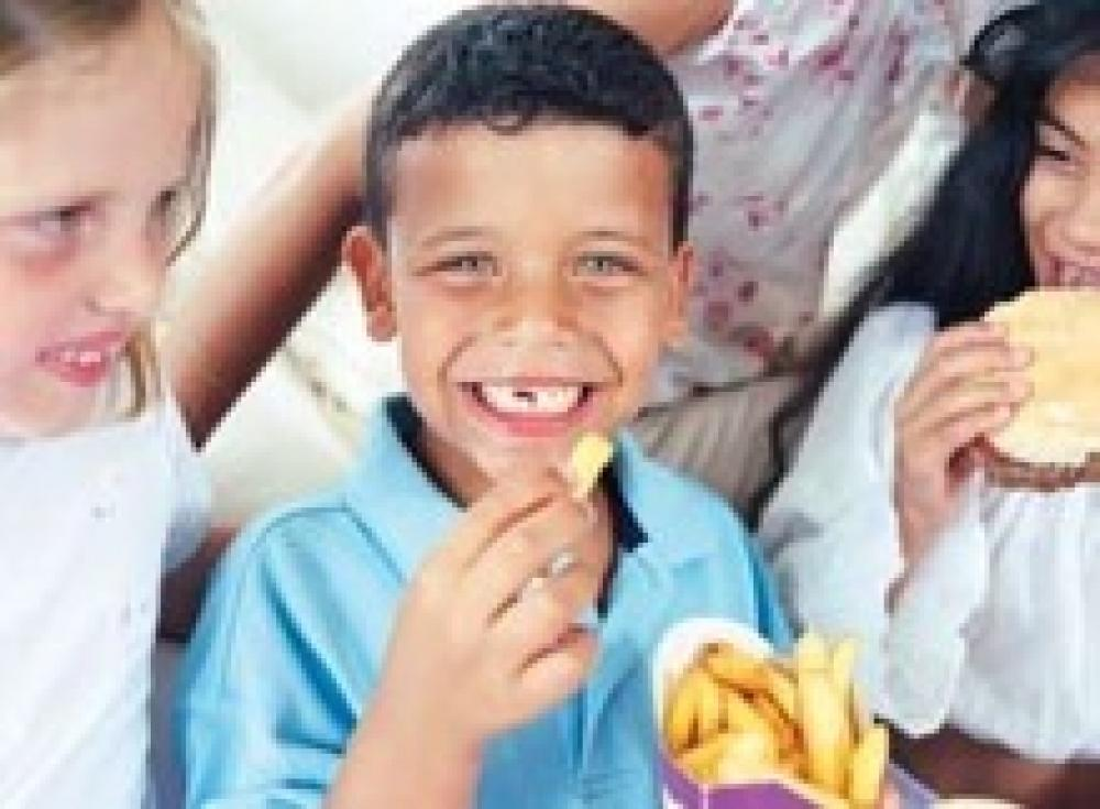 Kids Eat More When in Groups
