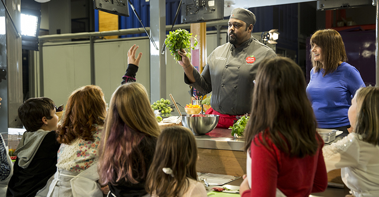 Chartwells takes food education on the road | Food Management